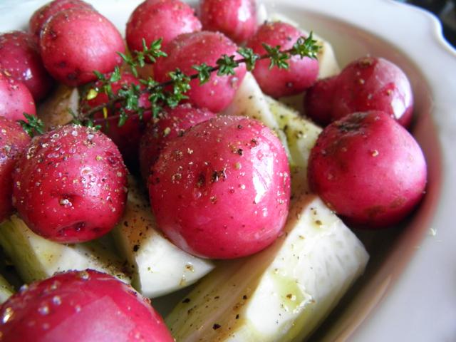 Roasted Fennel and Red Potatoes | @tasteLUVnourish on TasteLoveAndNourish.com