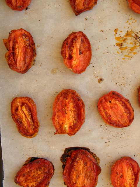 Roasted Tomatoes - turns the most tasteless off-season tomatoes into full-of-flavor, tasty treats! Great with pastas, sandwiches, served with cheeses. | @tasteLUVnourish on TasteLoveAndNourish.com