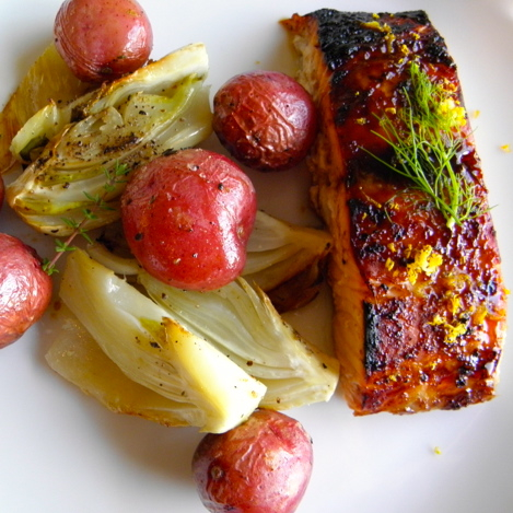 Orange Glazed Salmon with Roasted Fennel and Red Potatoes | @tasteLUVnourish on TasteLoveAndNourish.com
