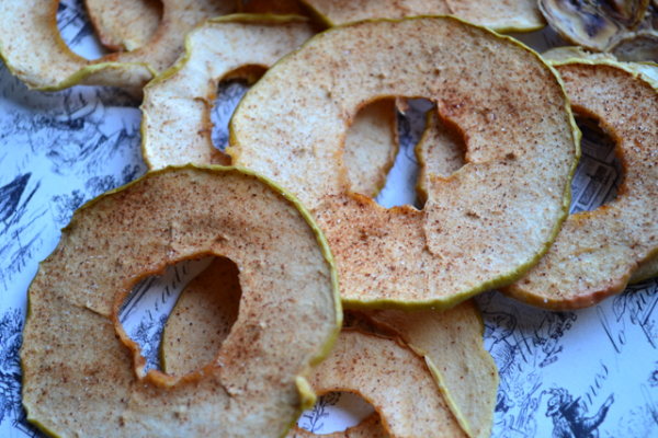 Baked Apple and Banana Chips - so easy and fun to make at home without any added fat or sugar.   @tasteLUVnourish on www.tasteloveandnourish.com