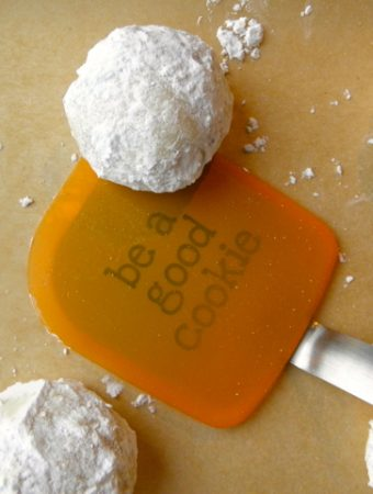 Cardamom and Fig Snowballs - love this twist on our family favorite. | @tasteLUVnourish