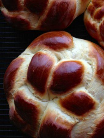 Armenian Easter Bread Rounds (Choereg) - we love this brioche-like bread so much, we make it all year round! | @tasteLUVnourish on TasteLoveAndNourish.com