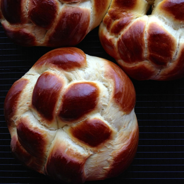 Armenian Easter Bread Rounds (Choereg) - we love this brioche-like bread so much, we make it all year round! | @tasteLUVnourish on TasteLoveAndNourish.com
