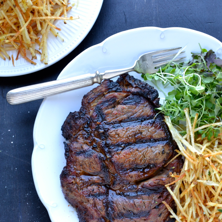 Vampire Steak and Fairy Fries - this steak is smokey and spicy and paired with the most addicting fries…delicate straw fries tossed with coarse sea salt, lemon zest and rosemary! | @tasteLUVnourish on TasteLoveAndNourish.com