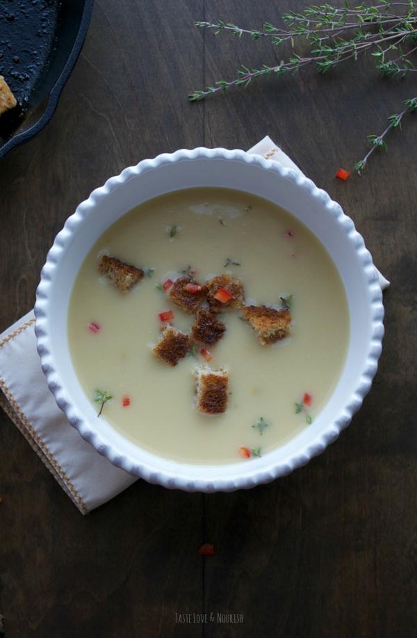 Leek and Potato Soup | @tasteLUVnourish | #soup #leek #potato #light