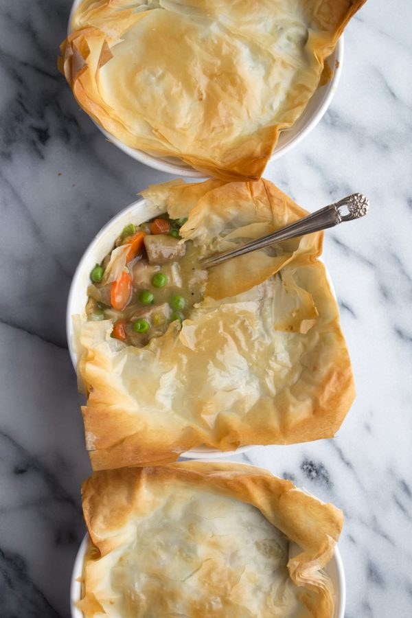 Phyllo Chicken Pot Pie - save a ton of calories and fat by using phyllo and this simple recipe! | @tasteLUVnourish on www.tasteloveandnourish.com