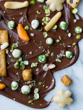Wasabi Pea Chocolate Bark | @tasteLUVnourish | #chocolate #wasabi