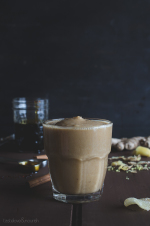 Gingerbread Smoothie | @tasteLUVnourish | #gingerbread #smoothie