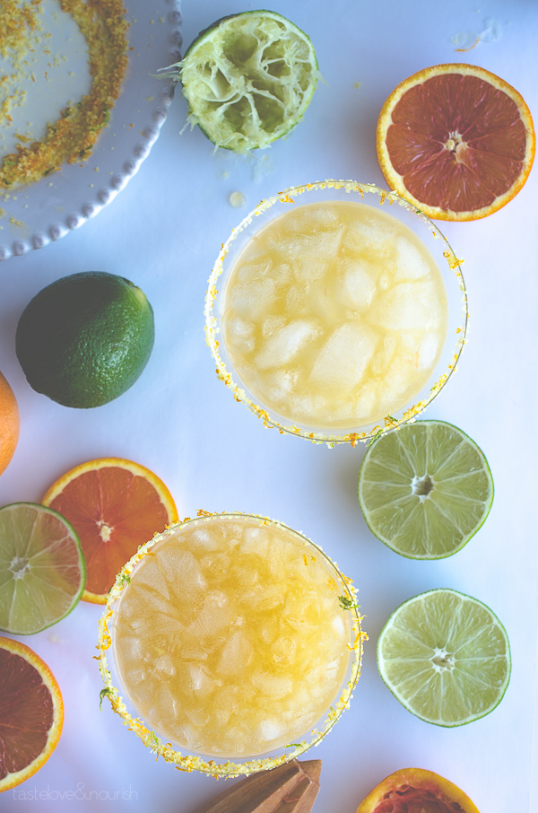 Cara Cara Margarita - using sweet and mellow Cara Cara oranges, this margarita is perfect! | From @tasteLUVnourish on www.tasteloveandnourish.com