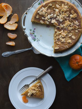 Mandarin Almond Cake - this cake is so delicious and natually gluten-free and paleo. | @tasteLUVnourish on TasteLoveAndNourish.com