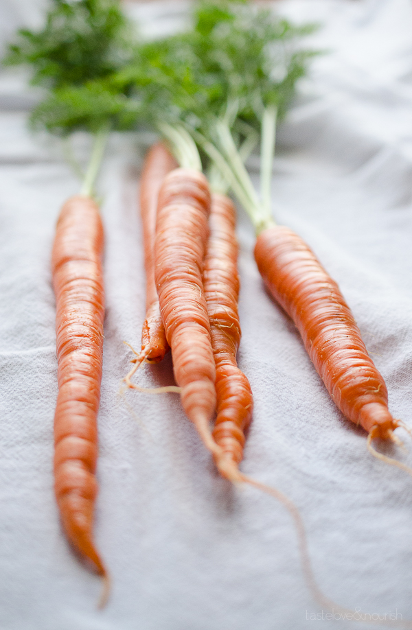 Maple Glazed Carrots - this easy side dish will become your family's favorite! | @tasteLUVnourish TasteLoveAndNourish.com