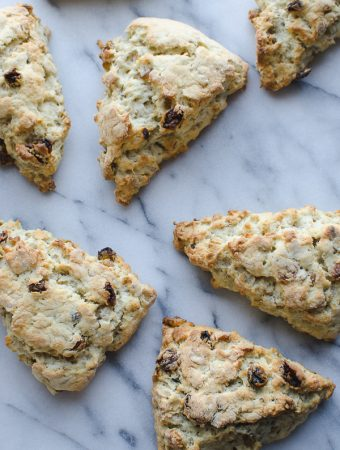 This Gluten Free Scottish Oat Scones recipe is AMAZING! Simply adapts to non-gluten free. These are my family's favorite weekend breakfast! | Gluten Free | Vegetarian | @tasteLUVnourish