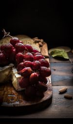 Balsamic Roasted Grapes with Brie