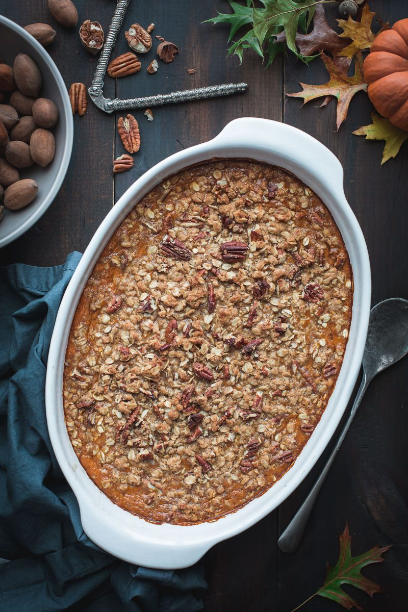 If making a pie crust just sounds like too much work, you need this Pumpkin Crisp. It's a pumpkin pie filling, sweetened with pure maple, with an oat and pecan crumble. Gluten free options. From @tasteLUVnourish www.tastloveandnourish.com #pumpkin #dessert #easy #glutenfree #fall #thanksgiving