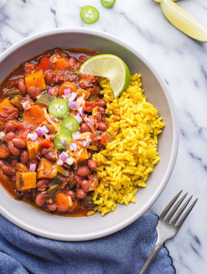 This Vegetarian Chili has the most perfect blend of spices and balance of flavors that will have you coming back to it again and again. Deliciuosly vegan and gluten free! #chili #vegetarian #vegan #glutenfree #recipe #easy #dinner #sweetpotato #jalapeno #tasteloveandnourish @tasteLUVnourish